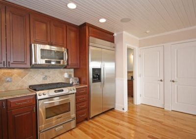 South Kingston Homes The Matunuck Breakers kitchen
